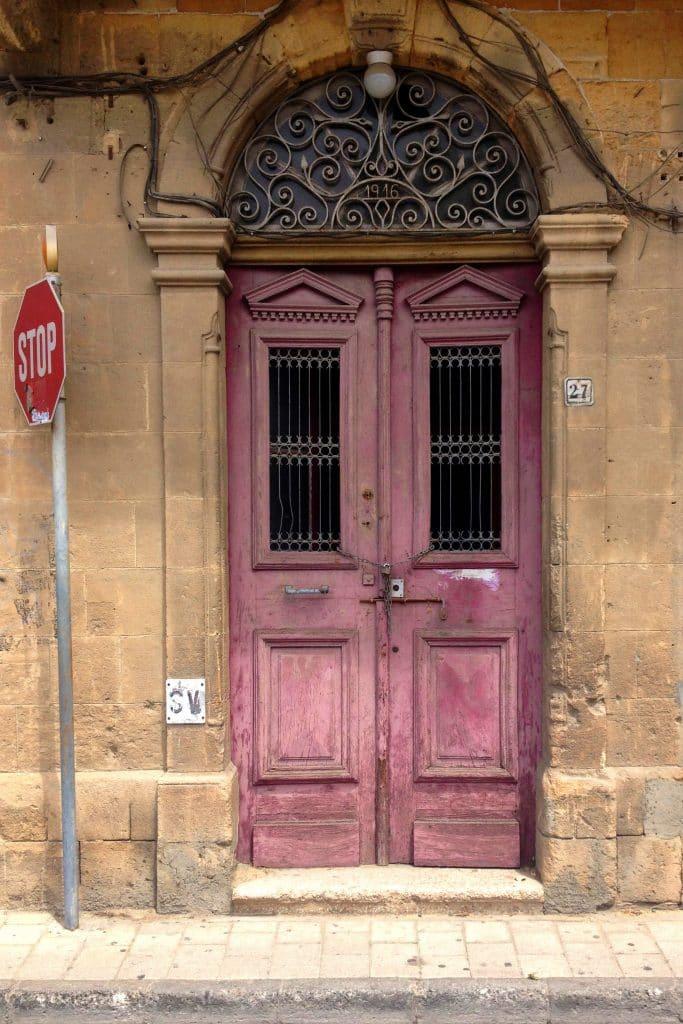 drzwi zewnętrzne róż